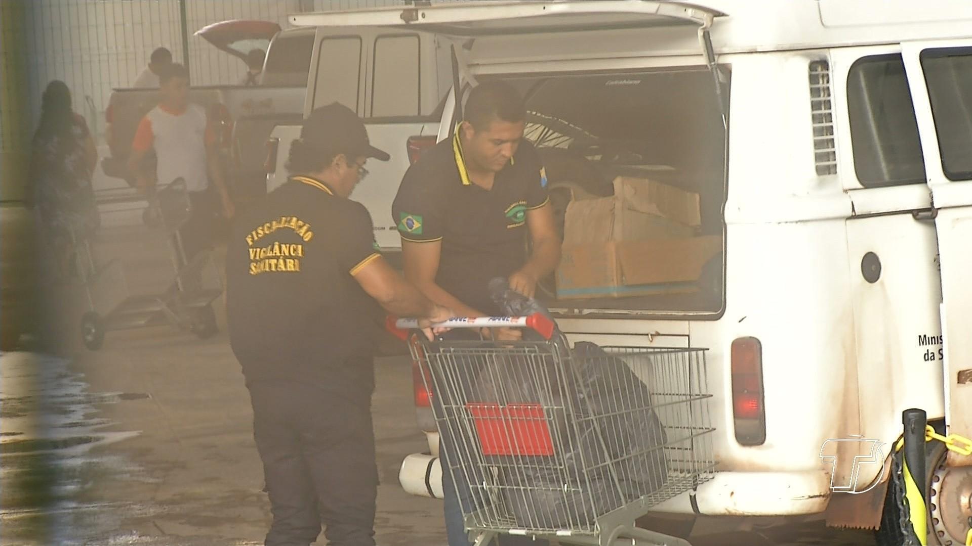 Alimentos foram apreendidos durante uma fiscalização nesta segunda-feira (20). (Foto: Reprodução/TV Tapajós)