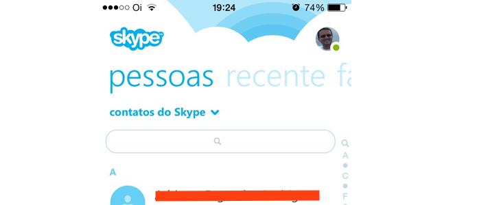 Localizando e acessando o contato no Skype mobile (Foto: Reprodução/Edivaldo Brito)