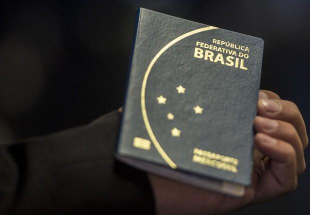 Passaporte brasileiro  (Foto: Marcelo Camargo/Agência Brasil)