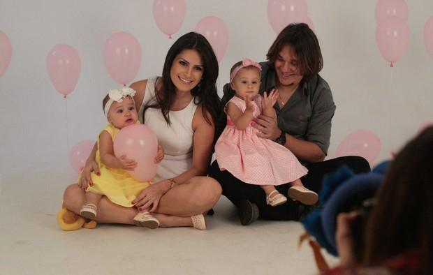 """Maya e Kiara filhas de Leandro do KLB comemoram aniversário com """"Smash Cake"""" (Foto: Leo Franco / AgNews)"""