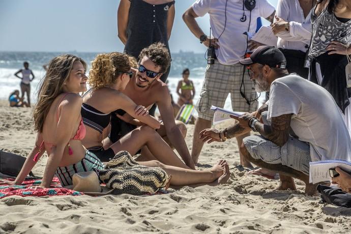 Juliana Paiva, Carolina Duarte e Gabriel Stauffer em gravação da próxima novela das 9 (Foto: Fábio Rocha/Gshow)
