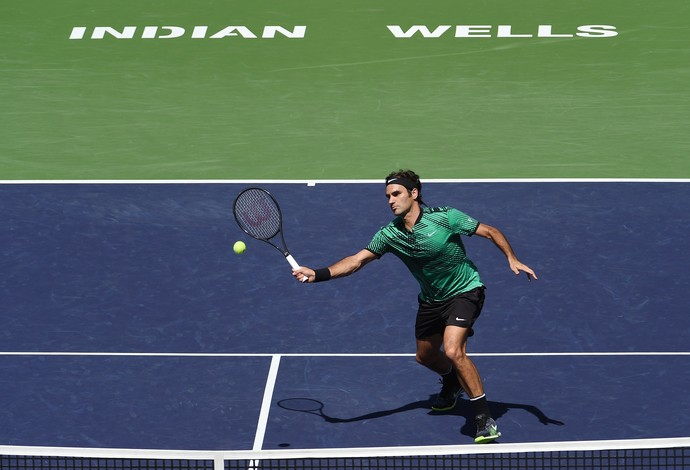 Roger Federer venceu Stan Wawrinka na final entre suíços no Masters 1000 de Indian Wells  (Foto: Kevork Djansezian/Getty Images)