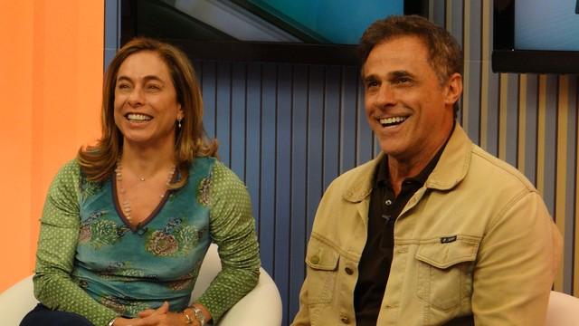 Cissa Guimarães e Oscar Magrini ao vivo no Jornal da Tribuna 1ª edição (Foto: Fernanda Maciel)
