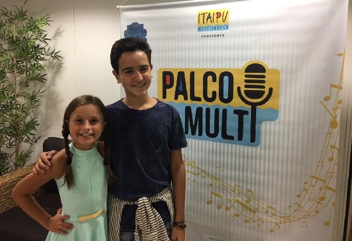 Ela cantou com Gabriel Gava, que também esteve no 'The Voice Kids' (Foto: Arquivo pessoal)