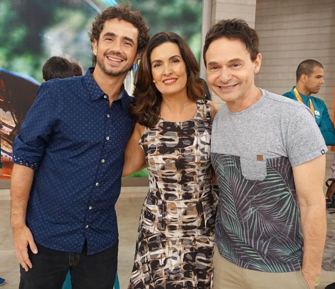 Ao lado dos parceiros Felipe Andreoli e Jairo Bauer (Foto: Juliana Hippertt/Gshow)