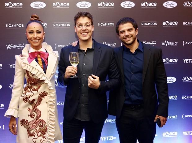 Sabrina Sato, Duda Nagle e Fábio Porchat (Foto: Manuela Scarpa/Brazil News)