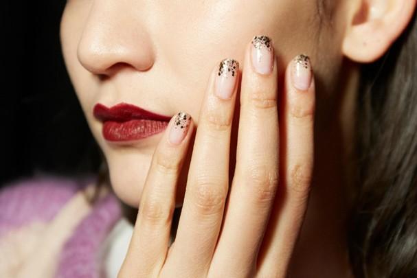 Nail art de Cushnie et Ochs  (Foto: Essie)
