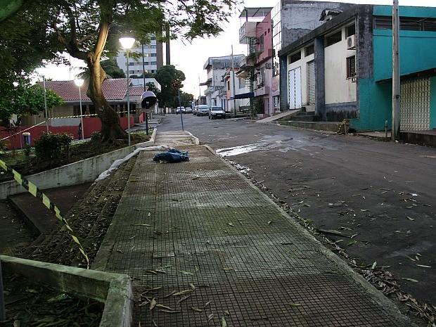 Homem foi morto a tiros após reagir ao assalto (Foto: Indiara Bessa/G1 AM)