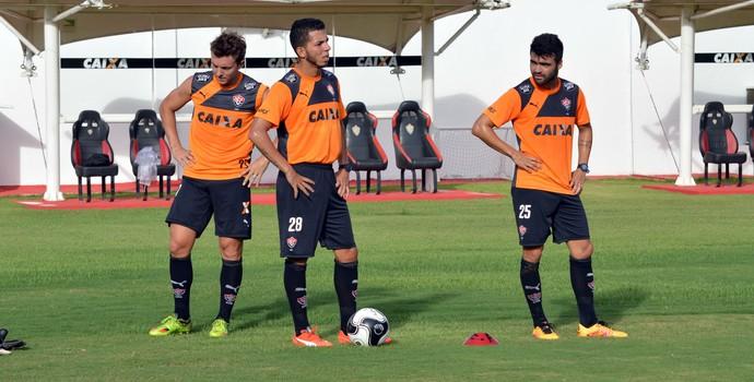 Vitória; Dagoberto; Flávio; Arthur Maia (Foto: Francisco Galvão/EC Vitória/ Divulgação)