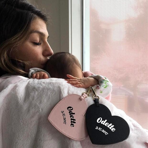 Genevieve Cortese e Odette (Foto: Instagram / Reprodução)