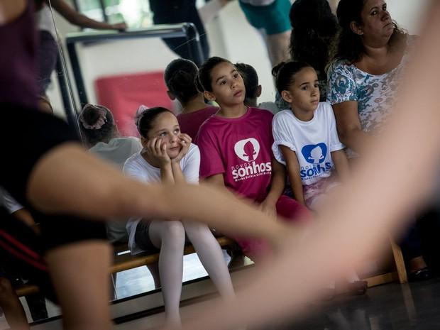 Alunos do projeto social Cristolândia foram convidados para acompanhar uma aula na SPCD (Foto: Fábio Tito/G1)