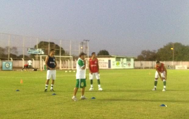 Gurupi treina no estádio Rezendão (Foto: Vilma Nascimento/GLOBOESPORTE.COM/TO)