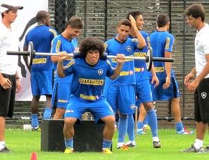 Márcio Azevedo no treino do Botafogo (Foto: André Casado / Globoesporte.com)