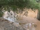 Ponte de madeira é arrastada no Rio Corumbataí na zona rural de Rio Claro