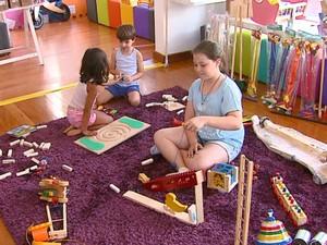 Crianças aprovam os brinquedos antigos  (Foto: Reprodução/EPTV)