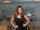 Viviane Araújo arrasa com vestido de franjas em ensaio do Salgueiro