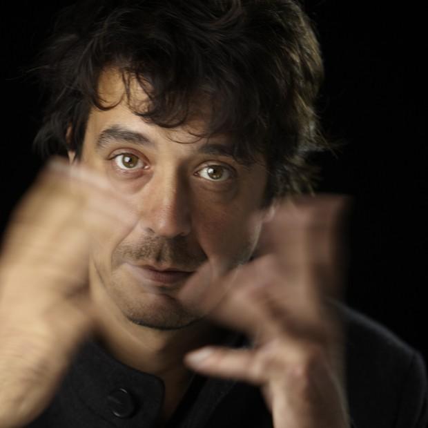 Gustavo Piqueira. O designer gráfico lança seu 14º livro (Foto: Divulgação)