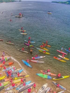 Aloha Spirit reúne mais de 350 em largada de Stand Up Paddle (Foto: Rafael SKC produçoes)