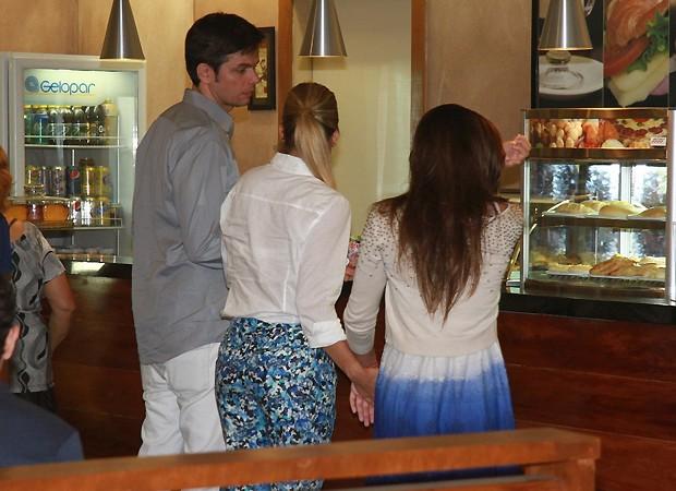 Otaviano, Flávia e Giulia (Foto: Ag News)
