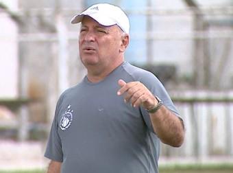 Carlos Rossi, técnico da Matonense (Foto: Paulo Chiari/EPTV)