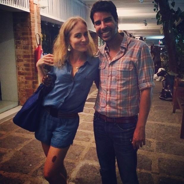 Angélica e Alex Lerner em restaurante no Rio (Foto: Instagram/ Reprodução)