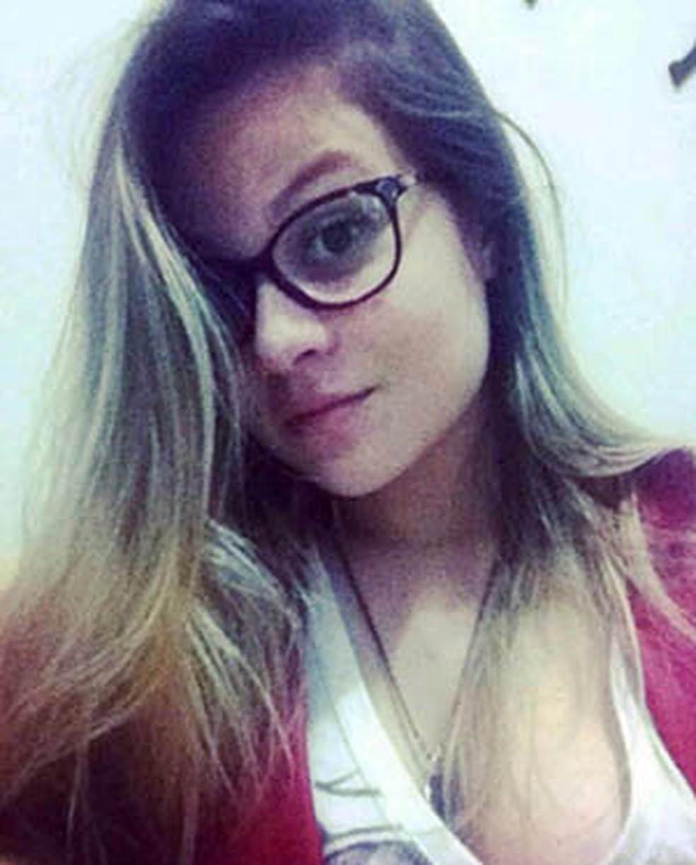 Maria Karoline Álvares de Melo foi alvejada no peito (Foto: Cedida)
