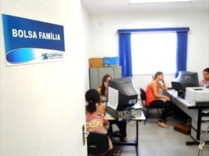 Famílias atualizam cadastro do Bolsa Família em Campinas, SP (Foto: Divulgação / Carlos Bassan)