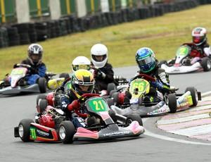 Sexta etapa do Campeonato Estadual RJ de Kart Rio Sul 2014 (Foto: Luiz Pinheiro/Velocidade Total)