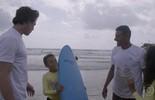 Rômulo Neto conhece projeto de surf solidário
