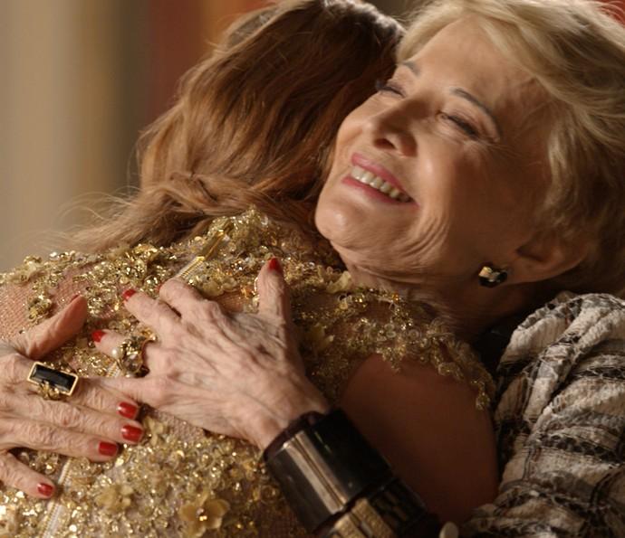 Stelinha conta história de superação e deixa Eliza emocionada (Foto: TV Globo)