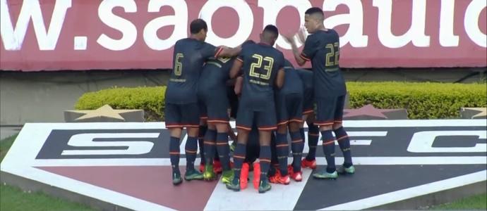 Gol Luis Fabiano Morumbi (Foto: Reprodução)