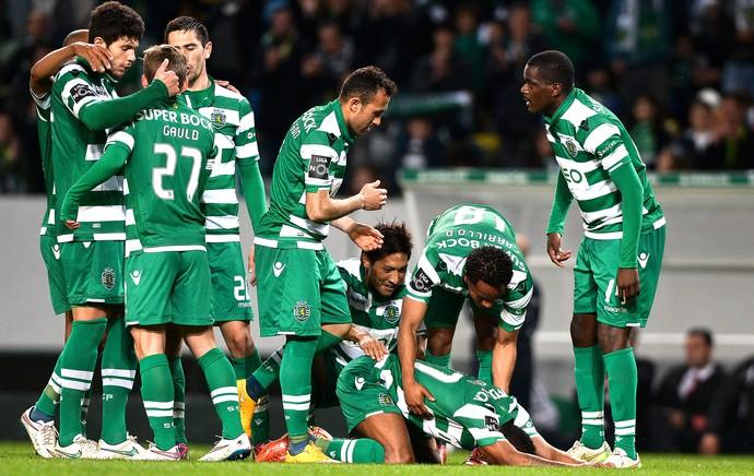 Nani comemora gol do Sporting  (Foto: Agência AFP)