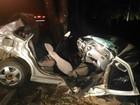 Carro bate em árvore e motorista morre na BR-259, perto de Resplendor