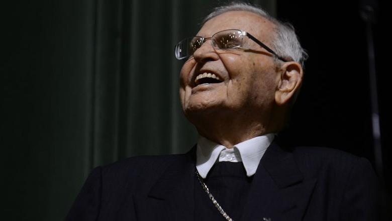 Dom Paulo Evaristo Arns em cerimônia de homenagem na PUC-SP, em outubro (Foto: Rovena Rosa/Agência Brasil)