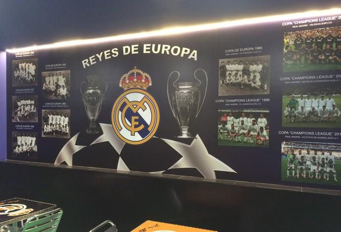 Outra parede, esta com todos os 10 times campeões da Champions pelo Real (Foto: Ivan Raupp)