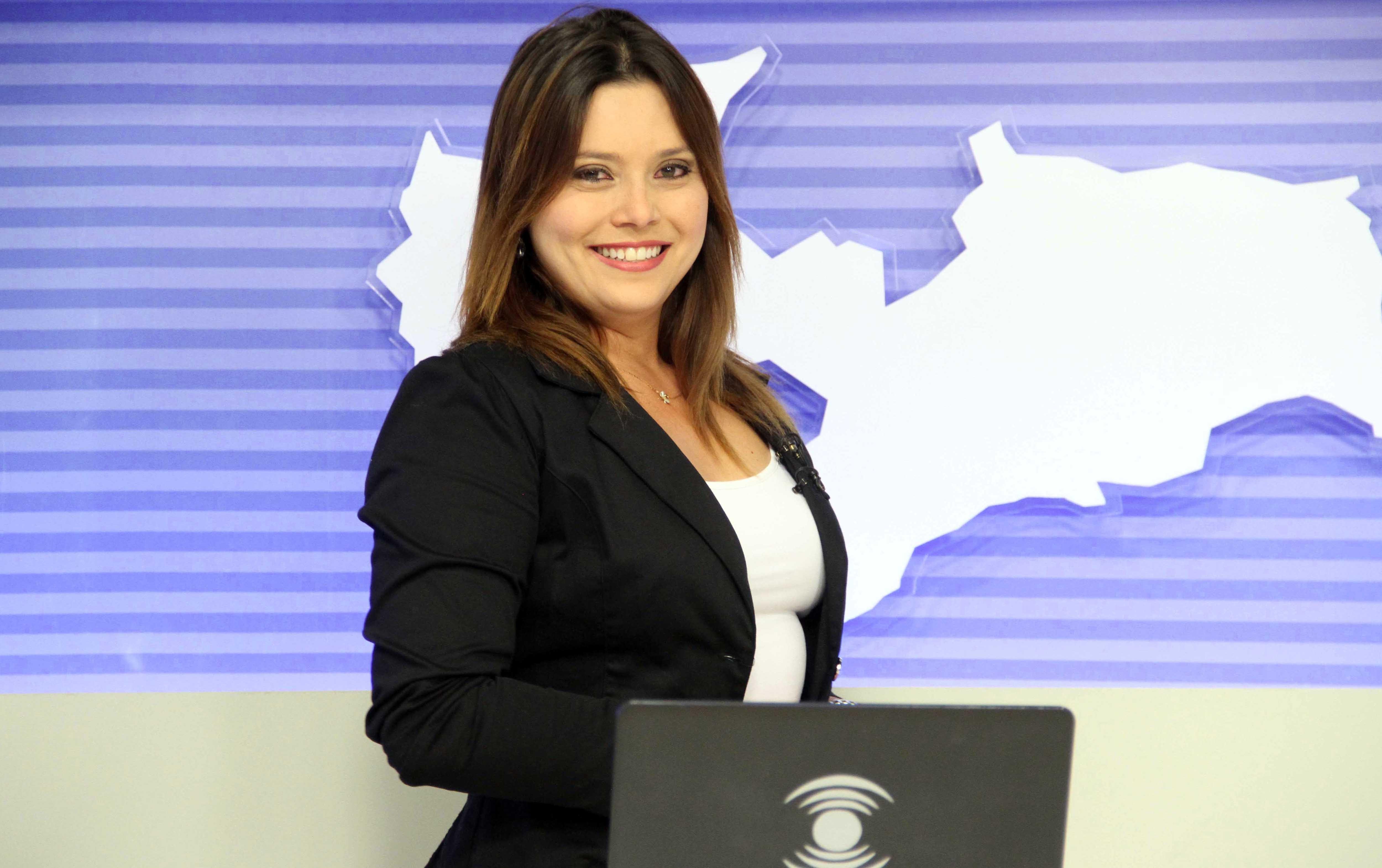 Waléria Assunção apresentará o programa deste domingo (13) (Foto: Leonardo Silva)