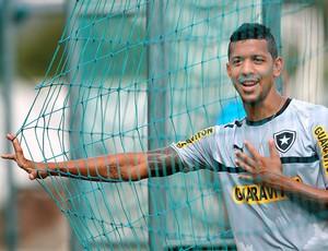 Antonio Carlos no treino do Botafogo (Foto: Alexandre Cassiano / Ag. O Globo)