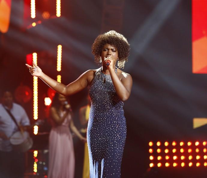 Mylena Jardim no palco do The Voice Brasil (Foto: Artur Meninea/Gshow)