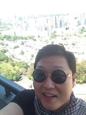 Psy em Salvador (Foto: Reprodução/Twitter)