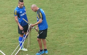 Com dores, Gilberto será reavaliado  e pode ficar fora da estreia do Vasco
