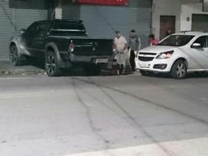 Funcionários demarcavam vagas de estacionamento quando houve confusão (Foto: Enio Pestana/Arquivo Pessoal)