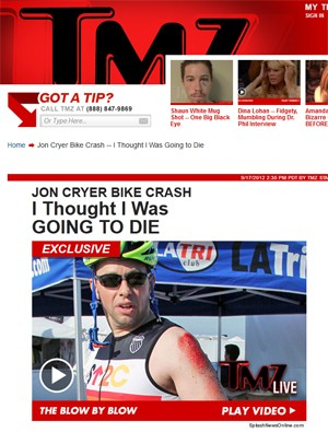 Ator Jon Cryer com o braço ralado após queda de bicicleta (Foto: Reprodução/TMZ.com)