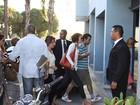 Familiares e amigos de José Wilker se reúnem para cremação no Rio