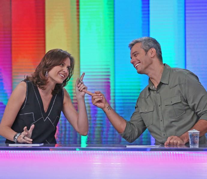 Monica Iozzi e Otaviano Costa interagem no 'Vídeo Show' (Foto: Cristina Cople / TV Globo)