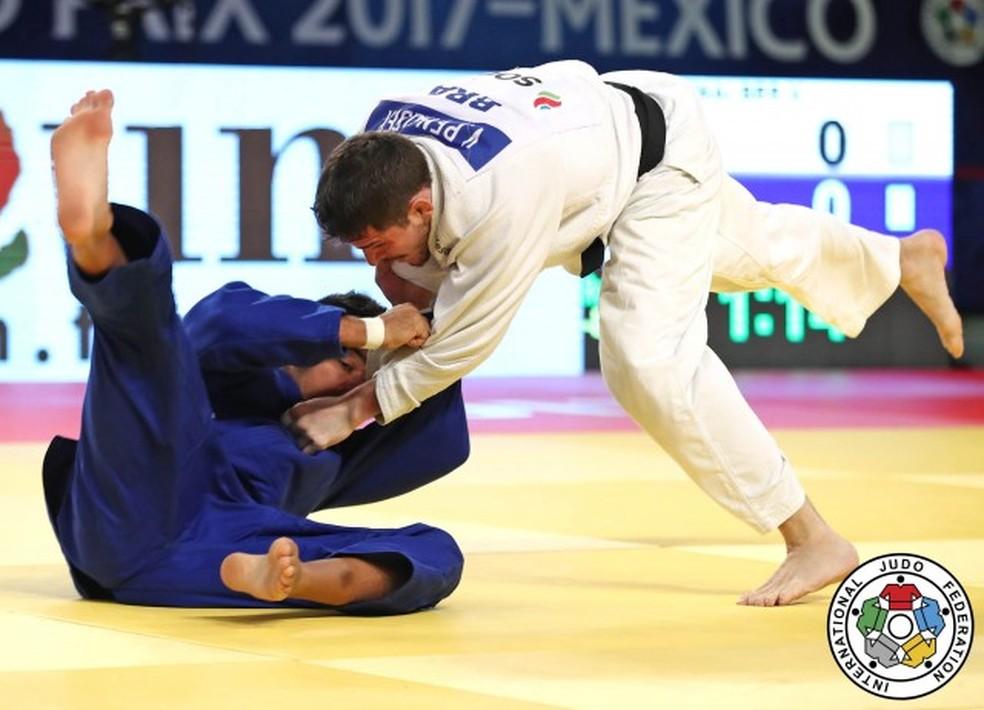 Victor Penalber sai com medalha de bronze (Foto: IJF /  Divulgação)