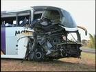 'Ficamos assustados', diz vítima de acidente entre ônibus e caminhão