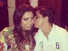 Thammy Miranda beija a namorada em foto na web: 'Meu bebê'