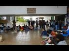 Alunos da UFU fazem paralisação em Uberlândia e tentam impedir aula
