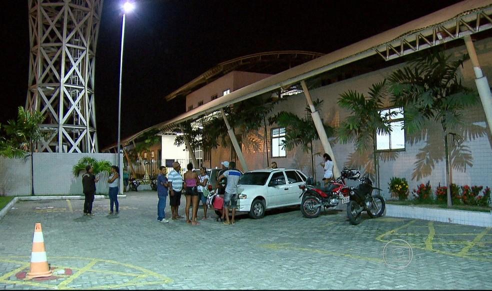 UPA da Caxangá, no Recife, recebeu cinco das vítimas do possível envenenamento (Foto: Reprodução/TV Globo)