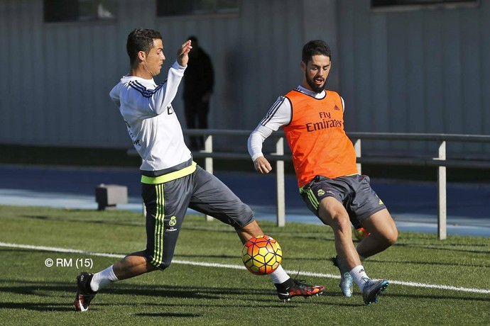 Cristiano Ronaldo Isco treino Real Madrid (Foto: Reprodução / Facebook)